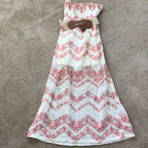 Patterned Strapless Crochet Lace dress